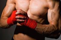 С чего начать тренировки по боксу, кикбоксингу, тайскому боксу? не поздно ли?