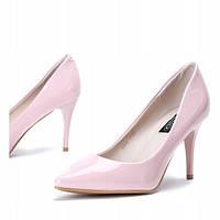 Нежно розовые женские туфли