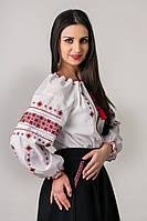 Класическая вышитая женская сорочка крестиком