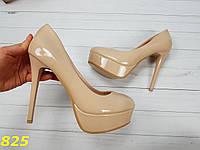 38 р. Туфли женские бежевые лаковые на шпильке, лодочки, классические, из лака, из лаковой кожи