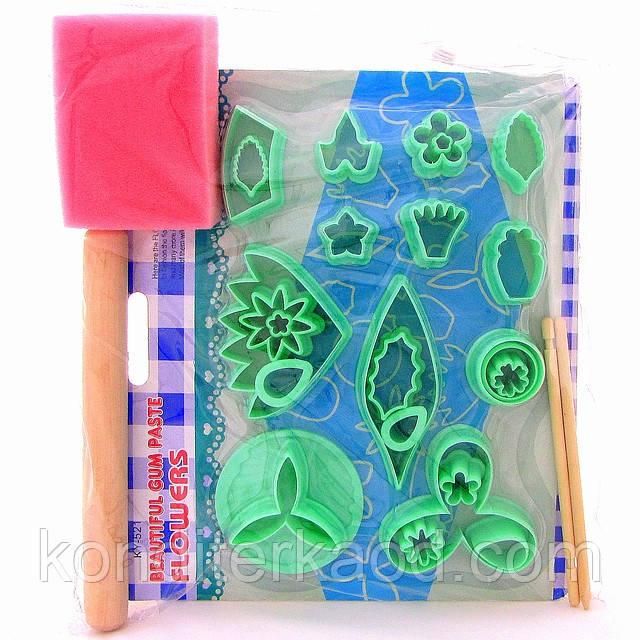 Зелений набір катерів 25 шт+ качалка +2 стека + губка