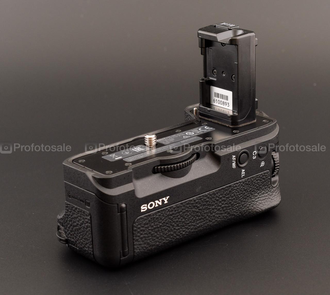 Sony VG-C2EM (батарейный блок для A7II, A7R II, A7SII)