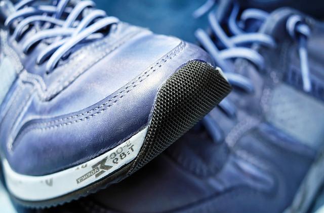 Купить мужские кроссовки в интернет-магазине