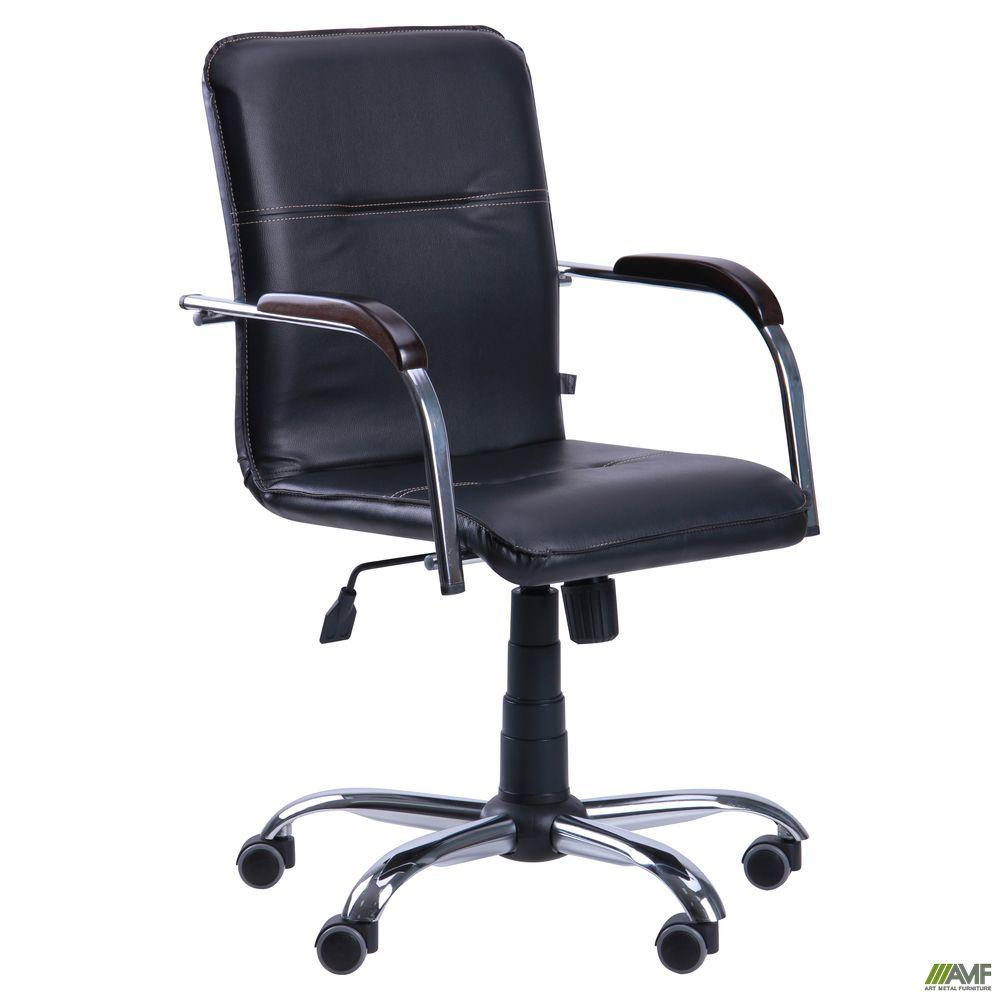 Офисное кресло AMF Самба-RC черное без канта Хром на колесиках с деревянными подлокотниками - орех