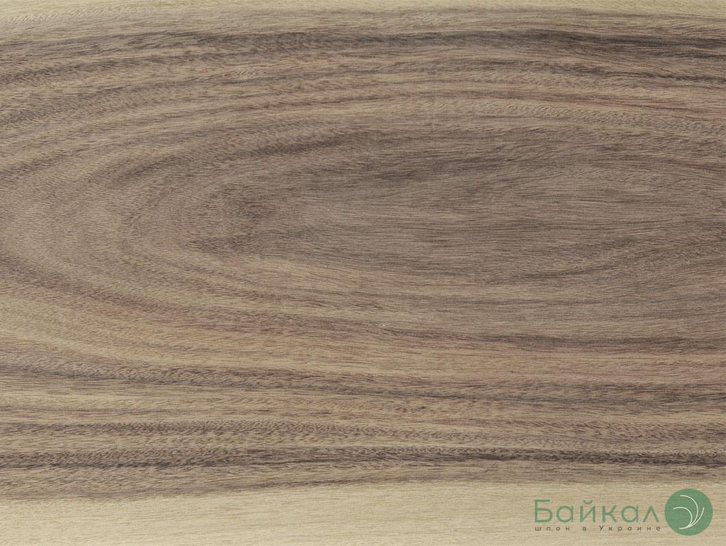 Шпон Ясень цветной 2,5 мм (оливковый)  АВ/В сорт - 0,8-2,0 м/9 см+