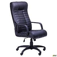 Офисное кресло руководителя AMF Атлантис черный кожзам и пластик на колесиках, фото 1