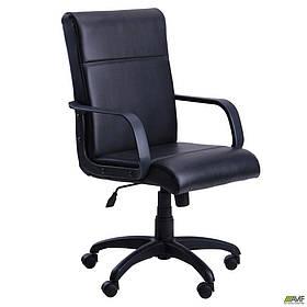 Офісне крісло AMF Фаворит Пластик Скад чорний на механізм гойдання Tilt