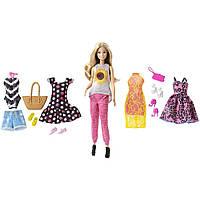 Кукла Барби Путешествие с набором одежды Barbie Pink Passport Fashion Doll Gift Set DMR47