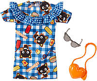 Одежда для кукол Барби Barbie Hello Kitty Chococat Blue Plaid Dress Fashion Pack FKR89