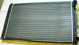 Радиатор Audi A4 (B5) МКПП 1,6-2,3 630*412