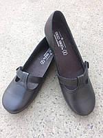 Туфлі жіночі шкіряні на низькій підошві.Чорного кольору.Виробництво Іспанії.