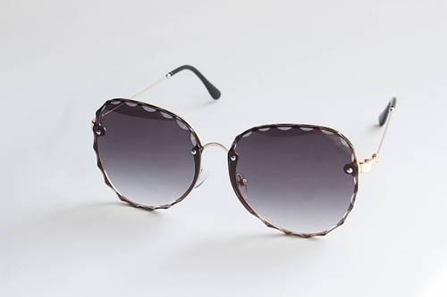 1093d0789c5b Купить Очки квадратные солнцезащитные с линзами фиолетового цвета в  металлической оправе в Николаеве от компании