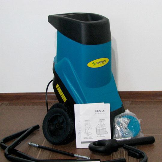 Измельчитель веток Sadko GS-2500