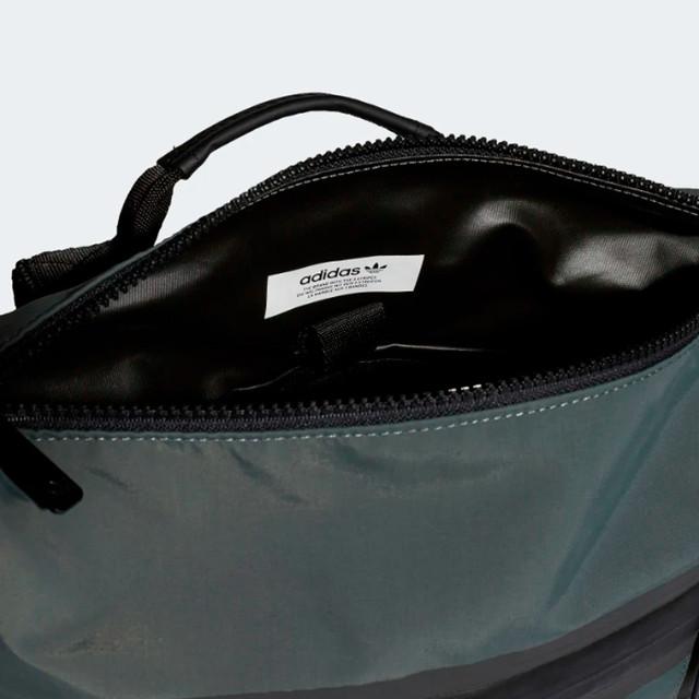 Городской рюкзак ADIDAS NMD SMALL | цвет legend ivy. Фото главного отделения.