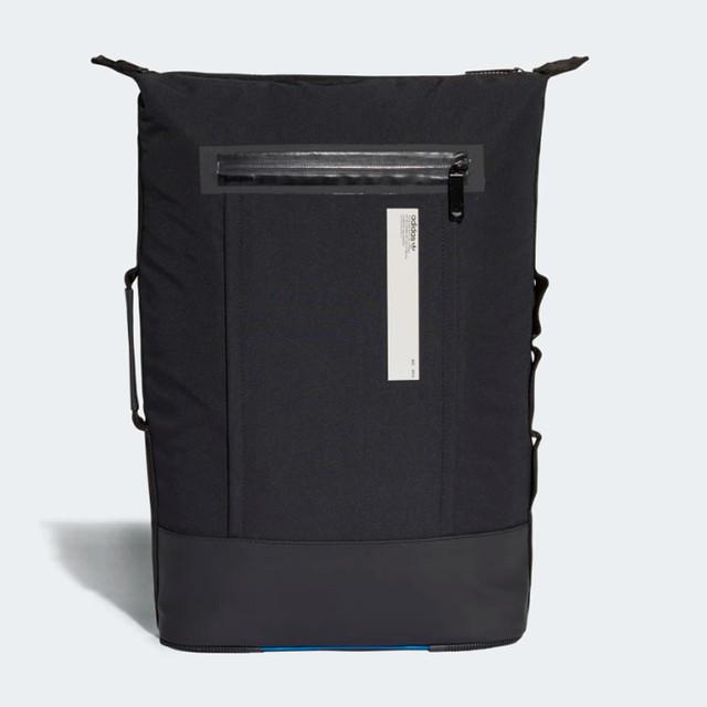 Городской рюкзак ADIDAS NMD SMALL | цвет черный. Вид спереди.