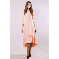 Платье женское пудровое с широкой пришивной рюшей по низу, рукава три четверти