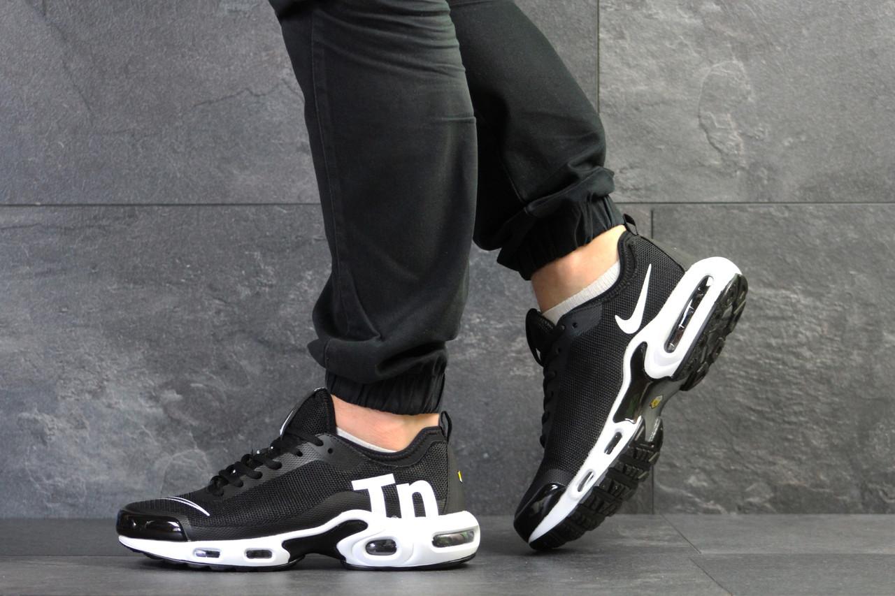 8ef247ac Мужские кроссовки Nike Air Max Tn, сетка, пена, черные с белым -  Vstrechayut_po_obuvke
