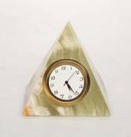 Часы пирамида из оникса 5см