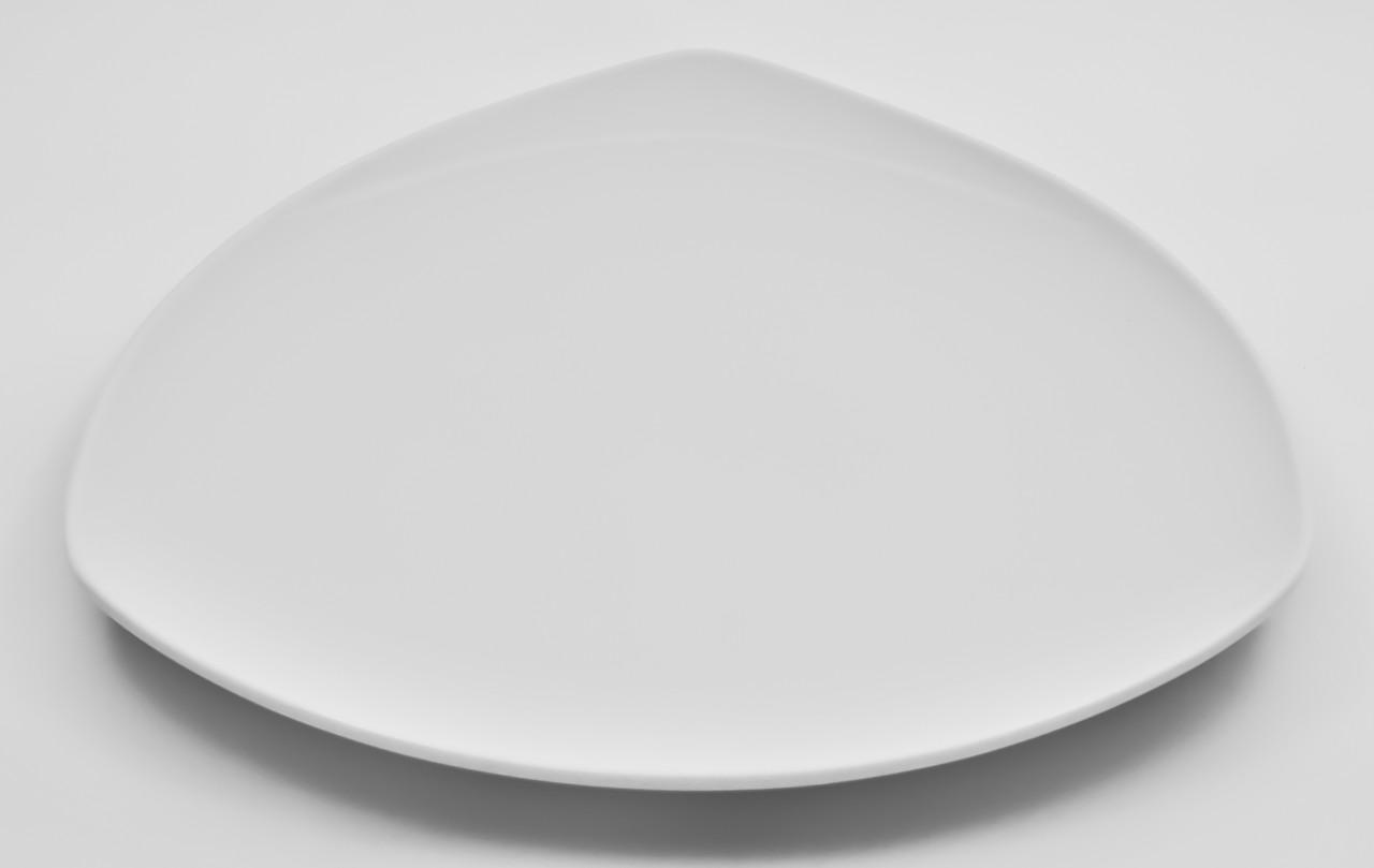 Тарелка фарфоровая треугольная