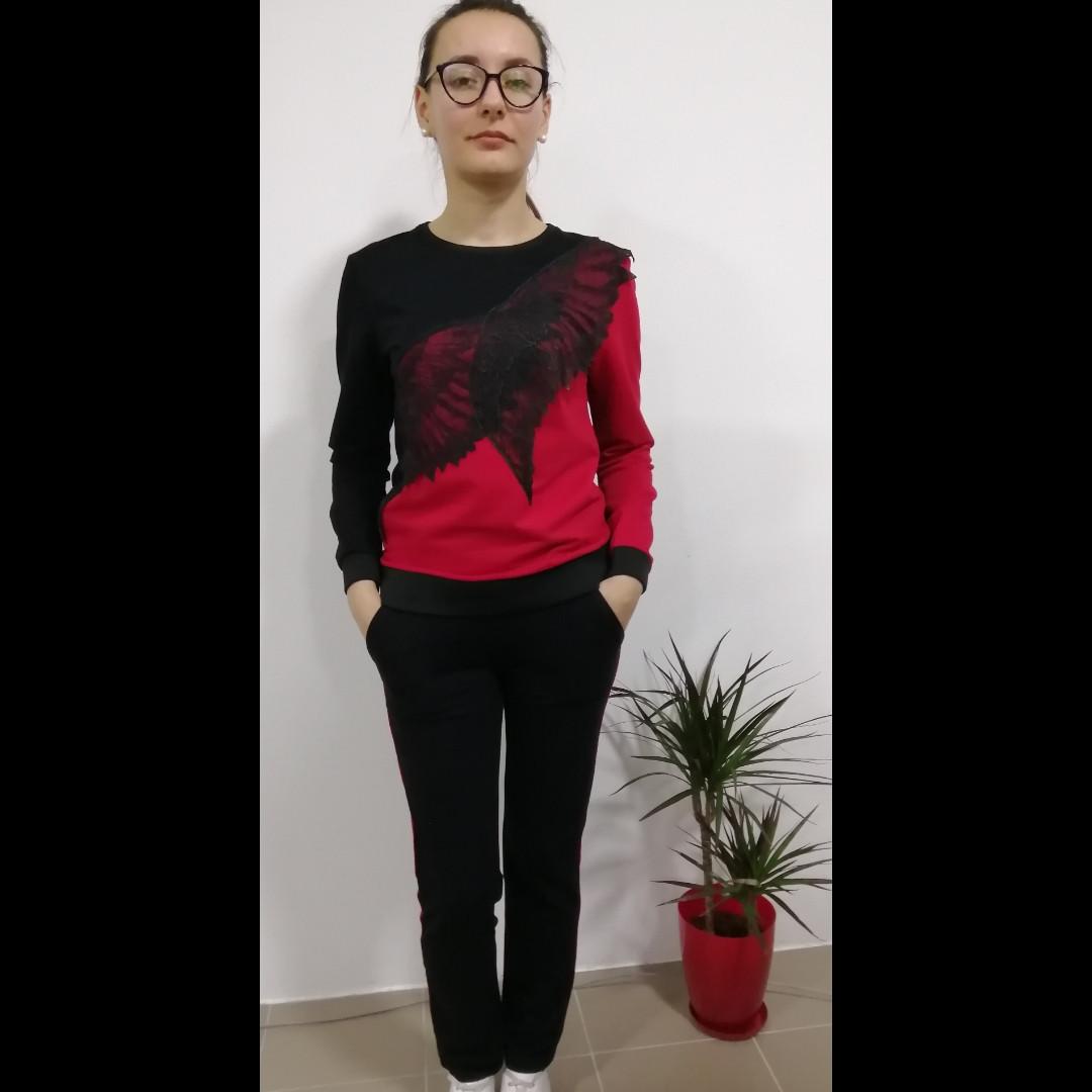 Костюм красно-черный