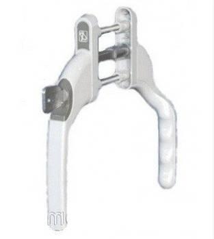 Ручка двухсторонняя на балконную металлопластиковую дверь с ключом узкая. Правая дверь