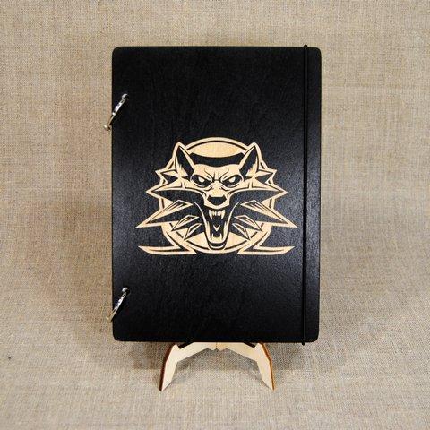 Скетчбук Witcher. Блокнот с деревянной обложкой Ведьмак.