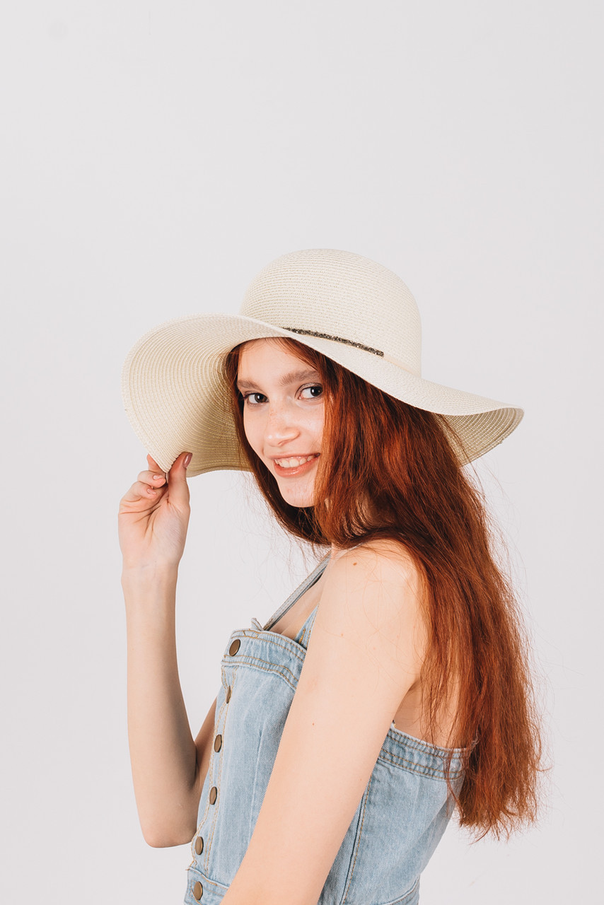 Шляпка широкополая Ареа молочная