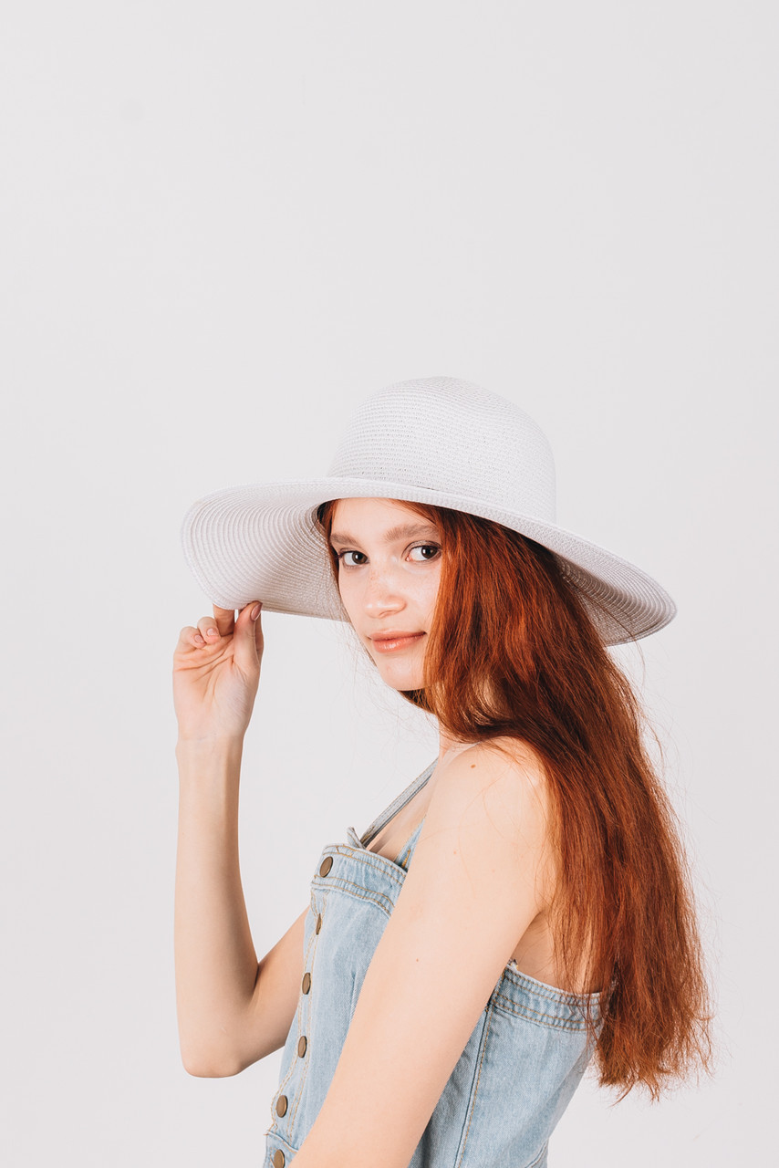 Шляпка широкополая Ареа белая