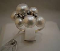 Серебренное женское кольцо с жемчугом.