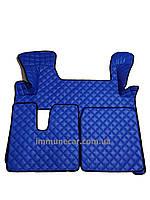 Автомобильные ковры из эко-кожи MAN TGX АКП 2 ящика синего цвета в кабину Т01