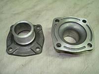 Патрубок коробки термостата236-1306053 системы водяного охлаждения двигателя ЯМЗ 236,ЯМЗ 238