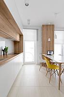 Кухня на заказ белая глянцевая с столешницей дуб крафт золотой, фото 1