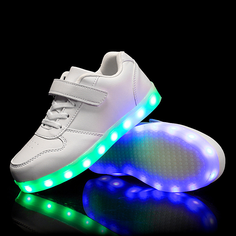 62cf8002 White Kids Step, Белые светящиеся кроссовки LED (USB подзарядка), размер 33,