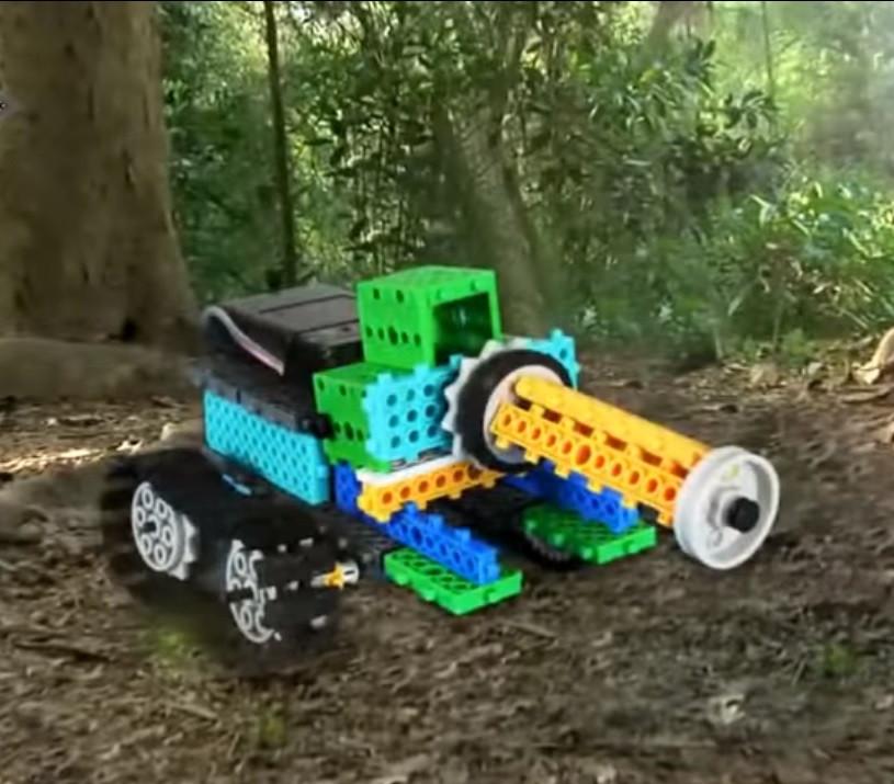Робот-Конструктор STEM на радиоуправлении LongYeah (R721) 4 в 1: танк, рыцарь, жук, формула-1