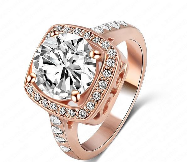 Позолоченное кольцо с кристаллами код 703