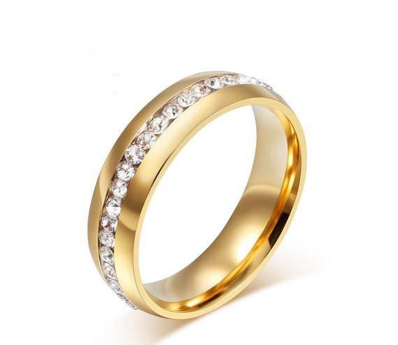 Обручальное кольцо с кристаллами код 747