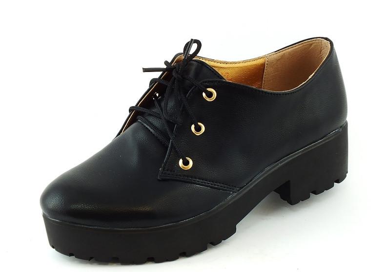 Туфли женские черные тракторная подошва Т419