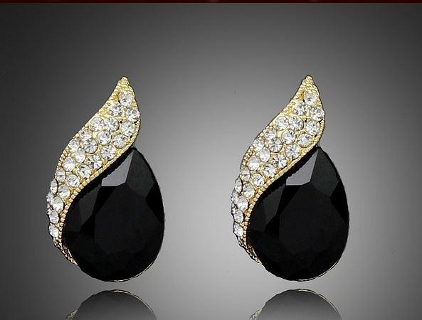 Серьги с черным и белыми кристаллами код 788