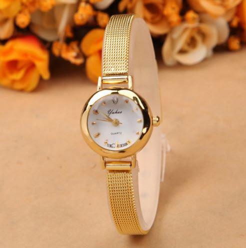 Наручные женские часы золотистого цвета код 152
