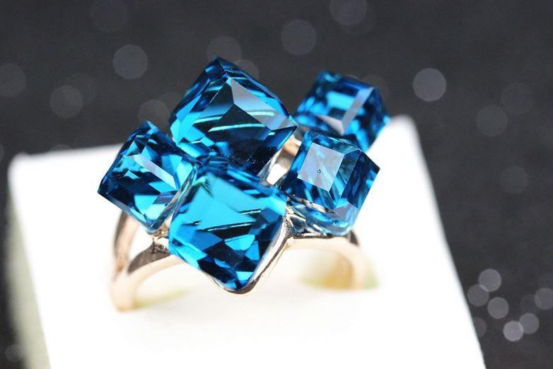 Позолоченное кольцо с кристаллами код 100