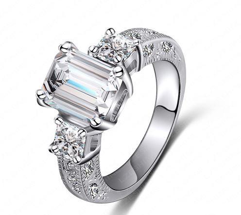 Позолоченное кольцо с кристаллами код 313