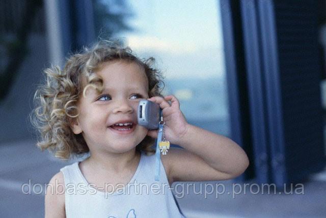 Родители уверены - мобильный телефон нужен детям для безопасности