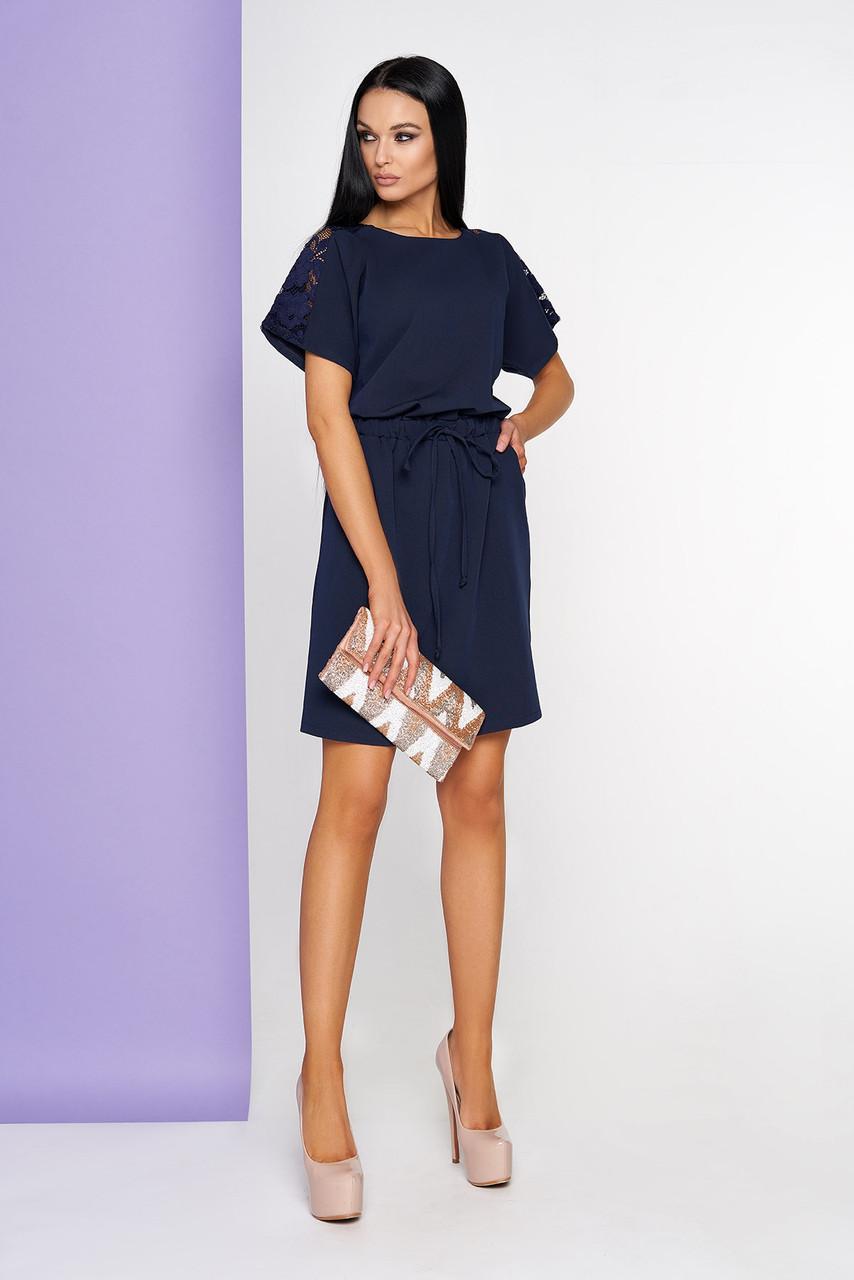 Летнее платье с гипюром темно-синее
