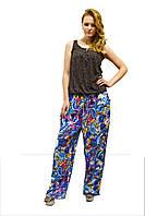 Стильные женские брюки в модный принт