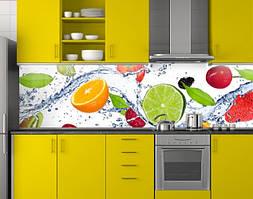 Пластиковый кухонный фартук ПВХ Цитрусы и ягоды в воде, стеновые панели пластик скинали фотопечать, зеленый