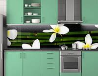 Пластиковый кухонный фартук ПВХ Бамбук и белые цветы, Самоклеящаяся стеновая панель для кухни, цветы, зеленый