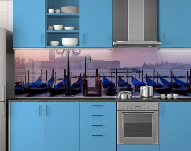 Пластиковый кухонный фартук ПВХ Каяки в дымке, Стеновая панель с фотопечатью, Архитектура, синий