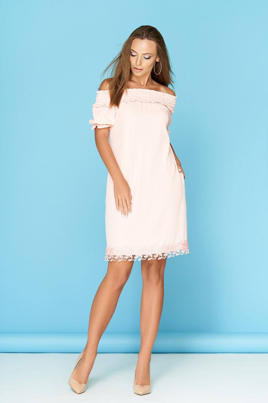 5af8b6227ed Нежное легкое летнее платье до колен с декольте на резинке бант сзади