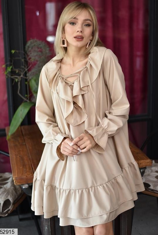 Модное платье выше колен асимметричное свободное рюши с длинным рукавом бежевое