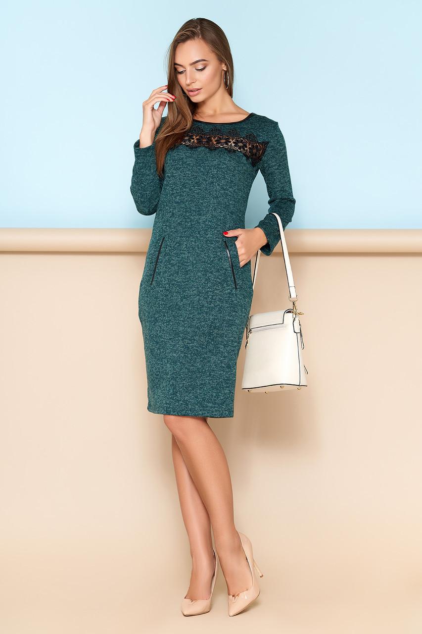 """Элегантное трикотажное платье """"A-109"""" с кружевной отделкой переду платья в области груди (зеленый)"""